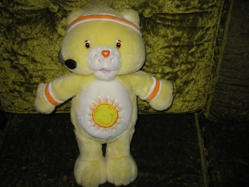 Care Bears Funshine Bear Exercizes and Talks to your child Battery Incl