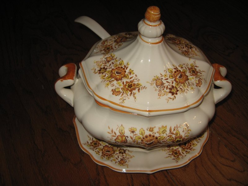 Image 0 of Taureen vintage style china floral design