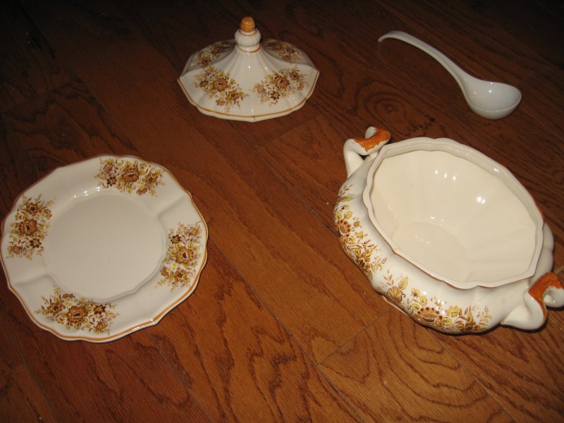 Image 1 of Taureen vintage style china floral design