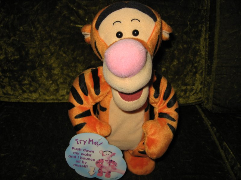 Bouncy Tigger doll 12 like new