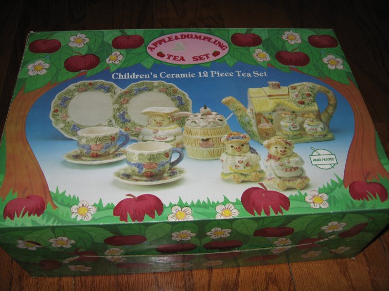 Apple and Dumpling Tea Set Child Ceramic 12 piece Hand Painted