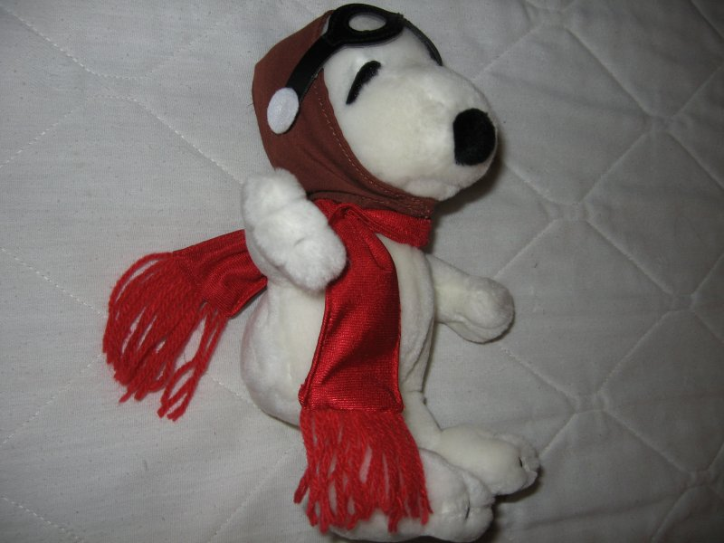 Peanuts snoopy avaiator mini beanie doll red scarf flight cap 9 sitting