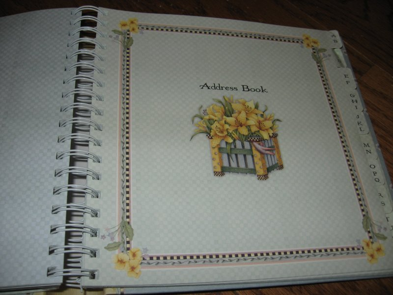 Image 3 of Debbie Mumm Greeting card organizer and address book spring bouquet collection