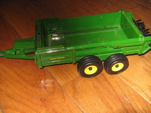 Image 1 of John Deere toy tractor manure spreader metal Ertl 3589H  /