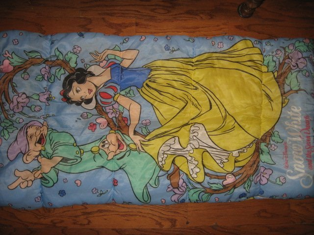 Disney Snow White Seven Dwarfs Princess gently used  sleeping bag 30X57