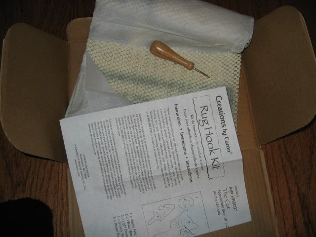Image 3 of Cat Latch Hook kit yarn rug The Cat 18 X 27 inches new in box