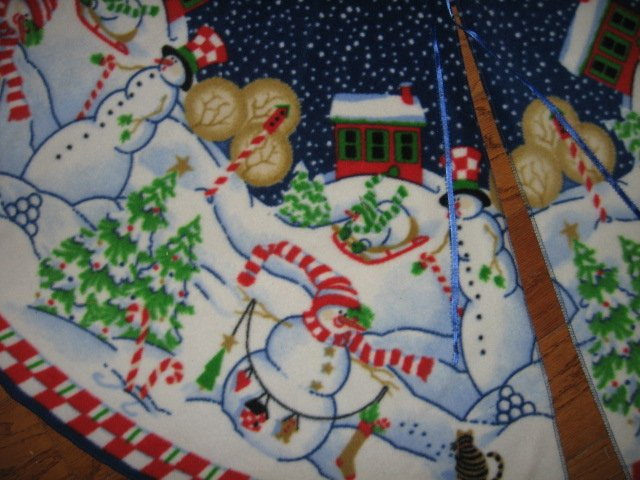 Image 2 of Peppermint Hill Fleece Christmas tree skirt finished surged edge satin tie