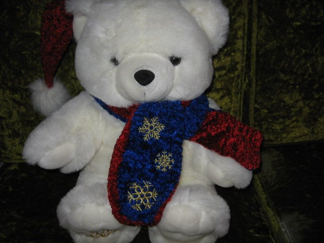 ChristmasTeddy Bear collectible new scarf and cap  rare  2001 18