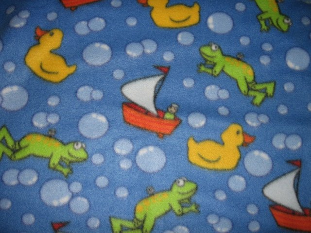 Image 0 of Frog fleece  blanket bathtub boat bubbles duck 30