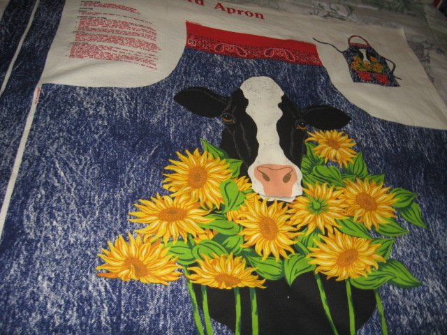 Image 0 of Barnyard farm country cow sunflower adult cotton apron to sew
