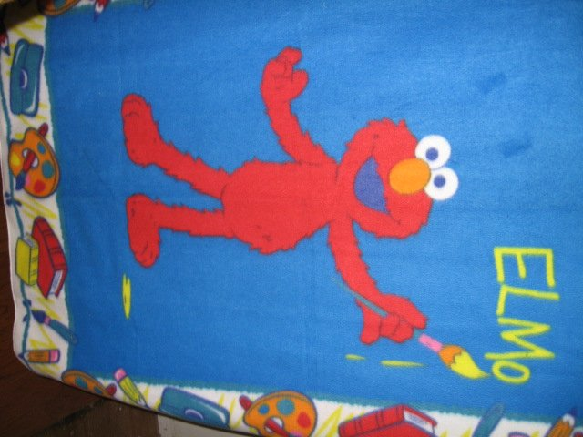 Image 0 of Elmo the painter Sesame Street Very Rare piece Child bed size fleece blanket