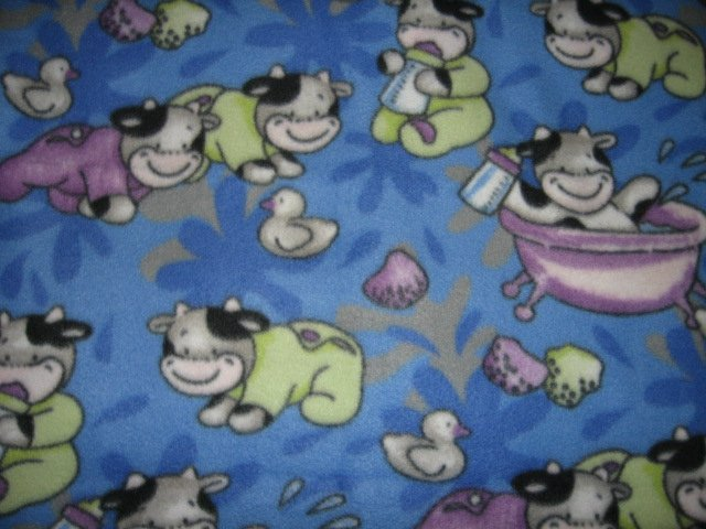 Cow farm animal fleece baby blanket bathtub babybottle