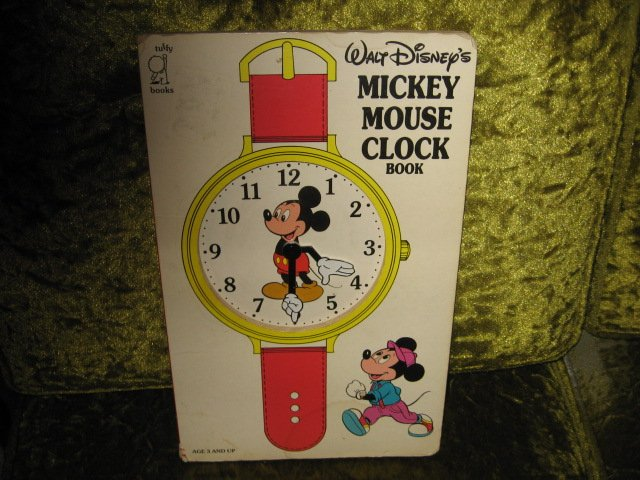 Image 1 of Mickey Mouse Disney Learn to use Clock Book Ages 3 and up