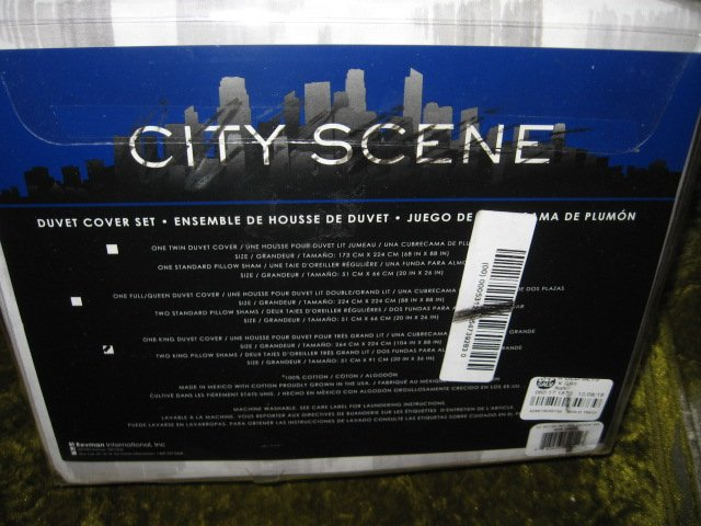 Image 2 of City Scene King Duvet Cover Set and Shams New in sealed package
