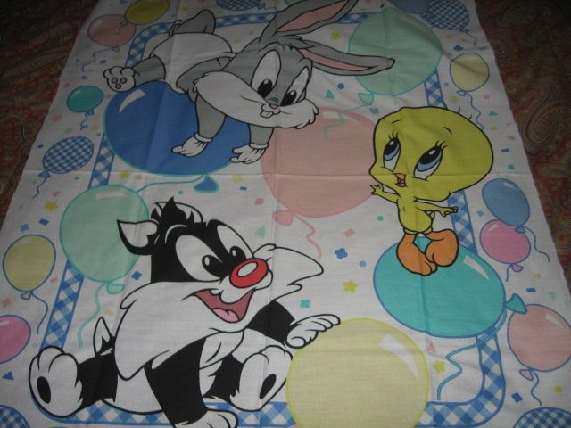 Tweety Bugs Sylvester balloons baby Looney Tunes cotton fabric panel to sew
