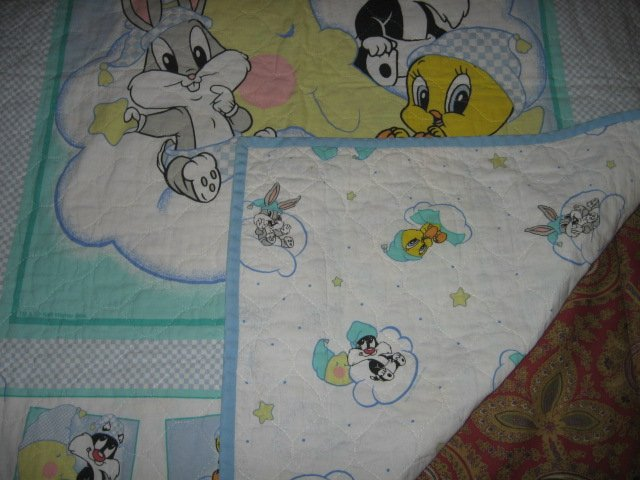 Image 3 of Tweey Bugs Sylvester cloud baby Looney Tunes crib quilt gently used out of print