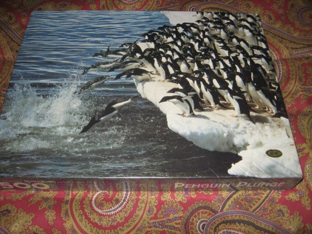 Penguin Plunge 500 pc sealed Puzzle new