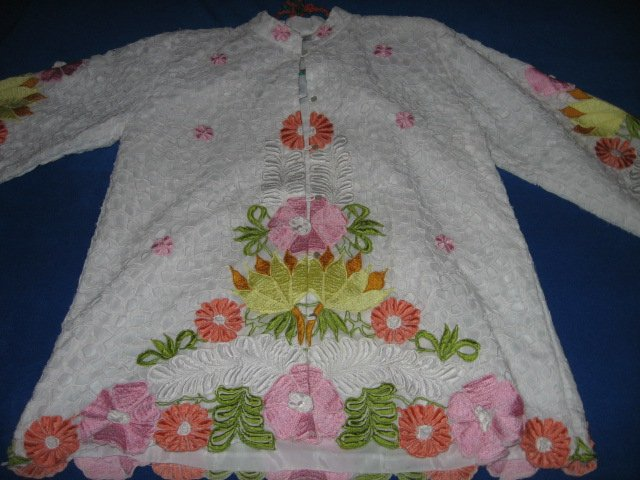 Image 0 of Honeymoon embroidered cutpiece liteweight jacket size M
