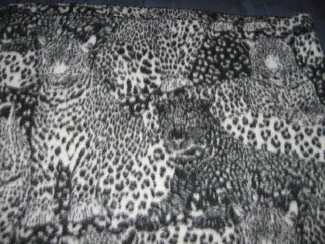 Wild animal Cheetah face black spot  fleece blanket