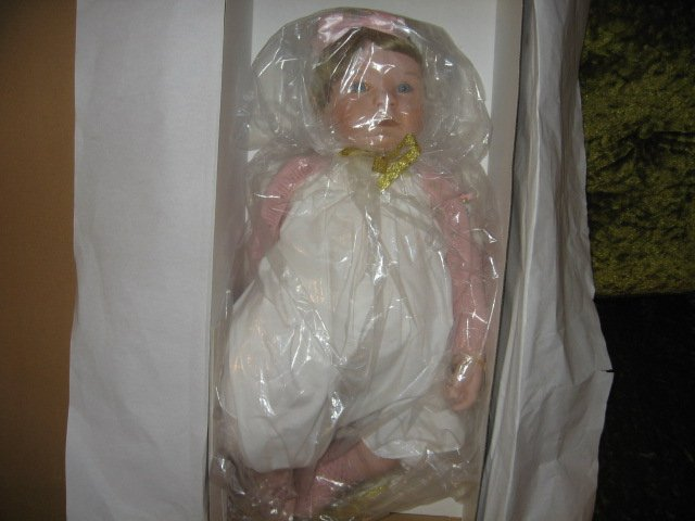 Image 1 of Aston Drake Bello Bebe 24 in doll NIB hand crafted hand painted