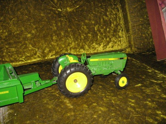 Image 3 of John Deere tractor and spreader metal farm crop seed