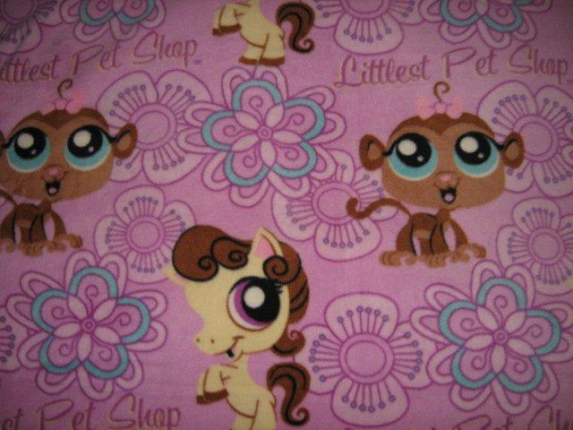 Image 1 of Littlest Pet Shop child fleece blanket rare