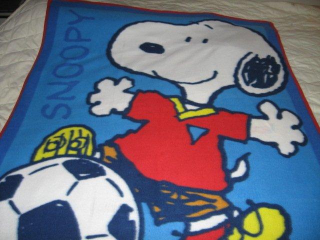 Image 0 of Snoopy dog soccer ball cartoon  fleece blanket rare