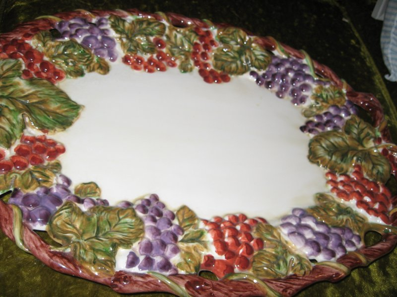 ceramic fruit platter grapes leaves oval 19 by 13 inch beatiful