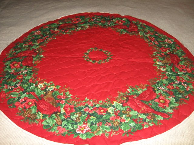 Cardinal Christmas Tree Skirt Small 34 inch Diameter