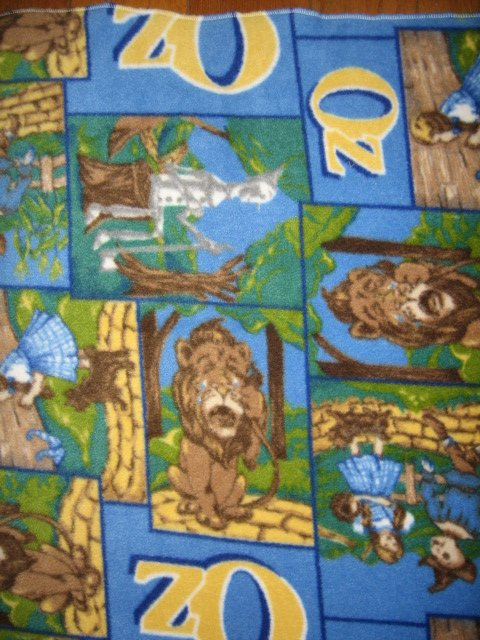 Wizard of Oz Toto Dorothy Lion Tinman fleece blanket Rare 26 X 29 in