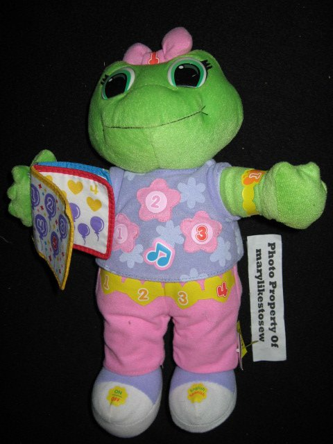 LeapFrog Learning Friend Lily Doll English Spanish Teaches Counting and numbers