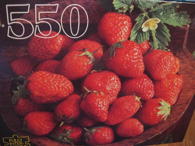 Strawberry Strawberries in a bowl sealed  550 pieces Puzzle  new