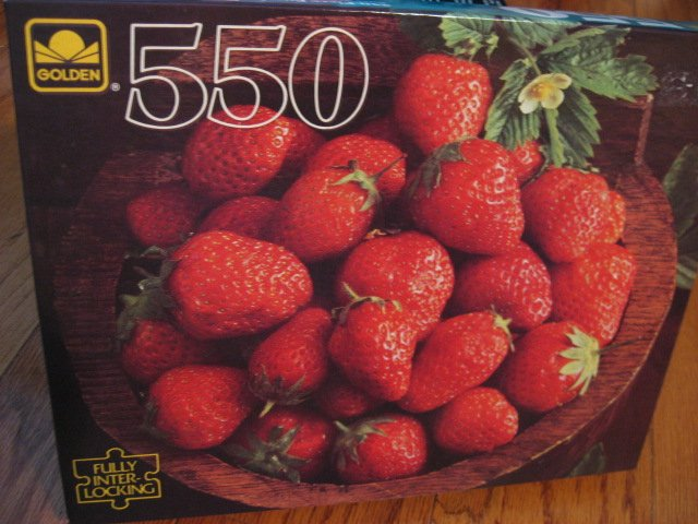 Image 1 of Strawberry Strawberries in a bowl sealed  550 pieces Puzzle  new