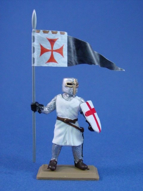 Britains Deetail DSG Templar Knight in White Tunic with Banner Fig #1