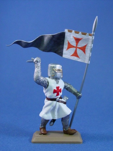 Britains Deetail DSG Templar Knight in White Tunic with Banner Fig #2