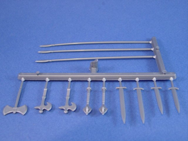Britains Deetail DSG 12 Piece Medieval Weapons Replacement Sprue - Set includes 2 long swords, 2 short swords, 2 maces, 1 double sided axe, 2 Roman Legionnaire axes and 3 spears.