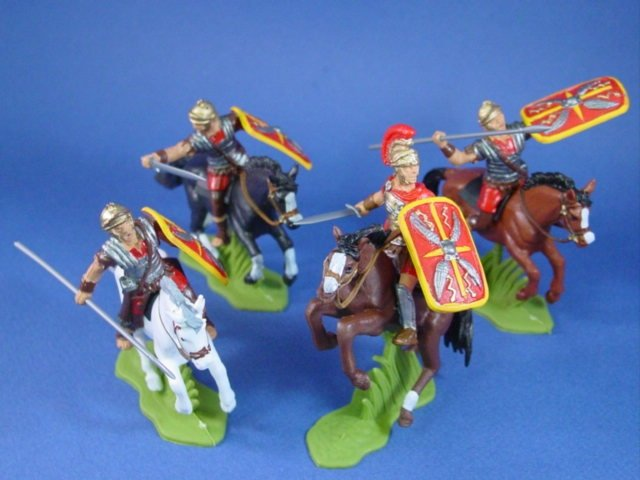 Britains Deetail DSG Toy Soldiers Mounted Roman Cavalry 4 Piece Set with Officer