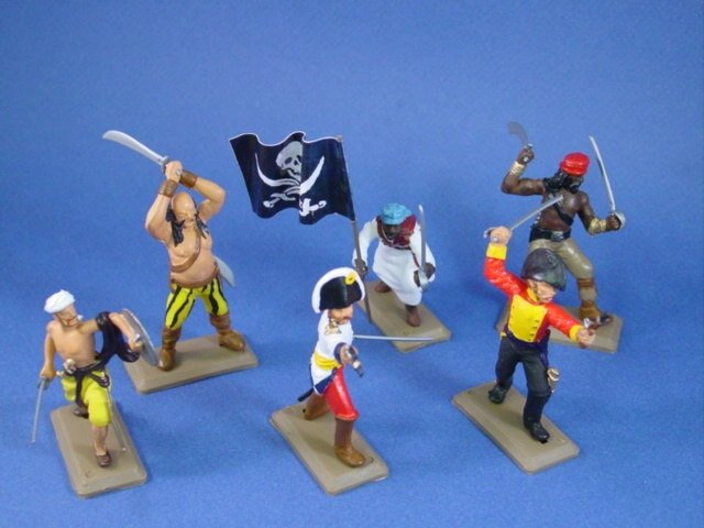 Britains Deetail DSG Toy Soldiers Custom Pirate Set with Flag Bearer