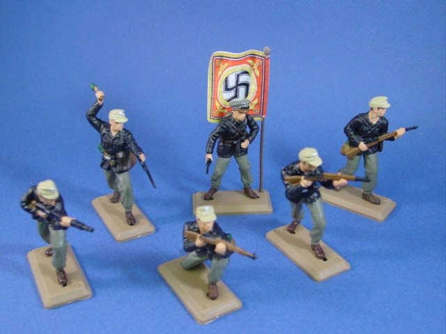Britains Deetail DSG Toy Soldiers WWII German Panzer Troops in North Africa. Set includes 6 figures in 6 poses with battle flag.