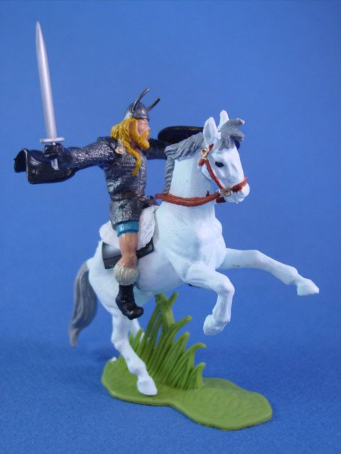 Britains Deetail DSG Custom Mounted Viking Raider Erik The Red with Long Sword