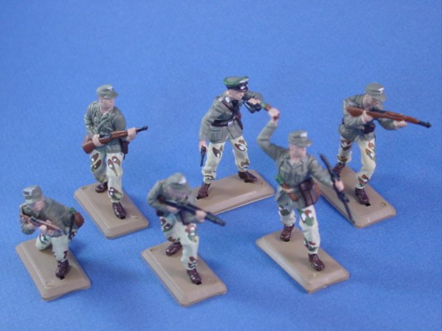 Britains Deetail DSG Toy Soldiers WWII German Afrika Korp Troops Set 2 in Camo