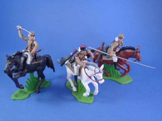 Britains Deetail DSG Toy Soldiers Custom Mounted French Foreign Legion in Tan