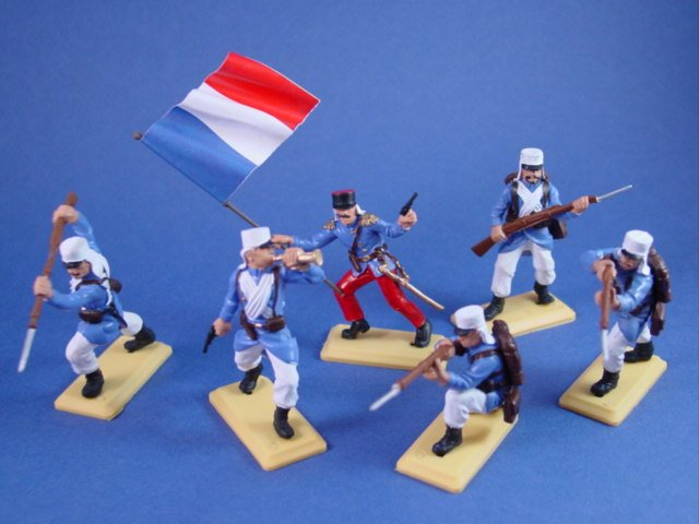 Britains Deetail DSG French Foreign Legion Plastic Toy Soldiers with French Flag