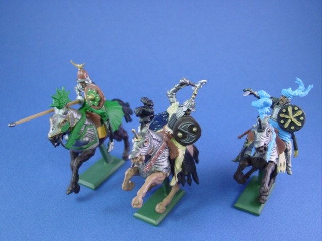 Britains Deetail Toy Soldiers Mounted Saracens 3 Piece Set