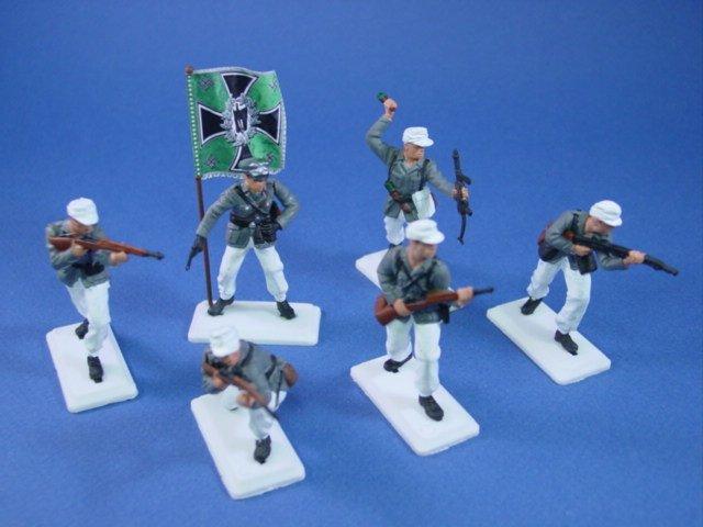 Britains Deetail DSG Toy Soldiers WWII German Mountain Troops Regimental Flag