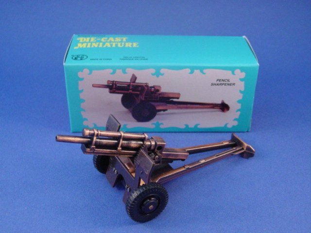 Toy Soldiers WWII US Army Howitzer Cannon Diecast Metal Pencil Sharpener 1/32