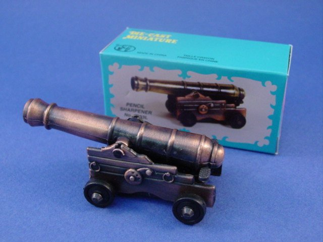 Civil War Toy Soldiers Naval Fort Cannon Diecast Metal Pencil Sharpener 1/32