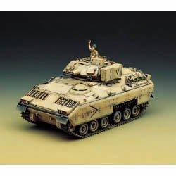 Plastic Model Kit 1/35 Scale US Army M2 Bradley IFV Tank Academy 1335