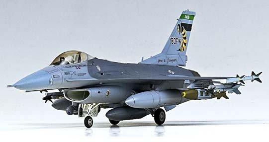 Plastic Model Kit 1/72 F16C ANG Aircraft