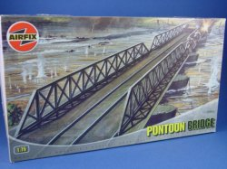 Thumbnail of Airfix 1:72 Diorama Set WWII Pontoon Bridge 3383